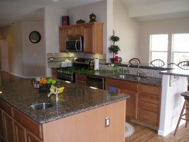 Santa Paula Kitchen 3